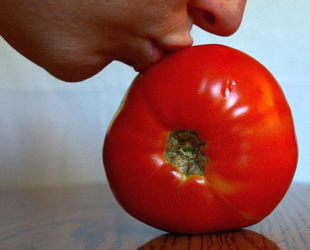 С томатом