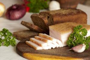 Сало и хлеб