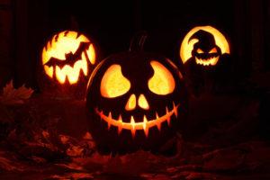 Горящие тыквы на Хэллоуин