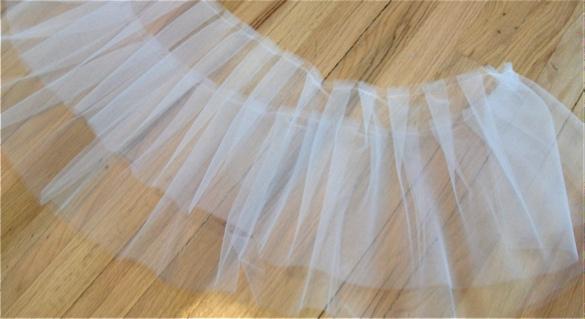 Белая ткань тонкая