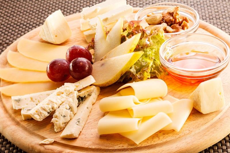 Красивая сырная нарезка