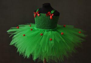 Платье в виде елочки из фатина