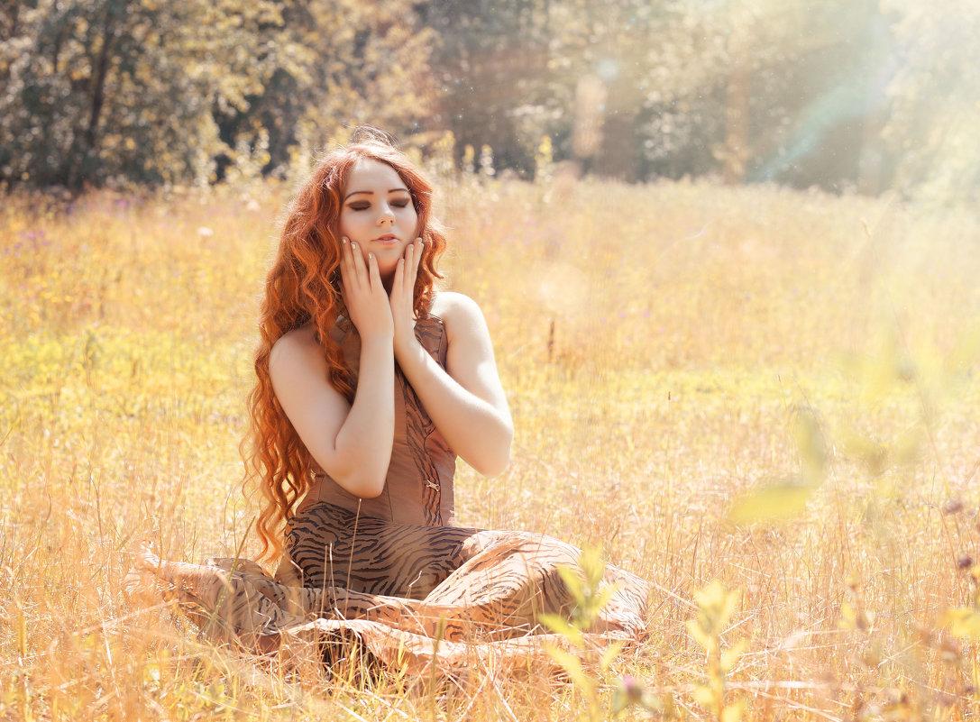 Девушка с рыжим цветом волос