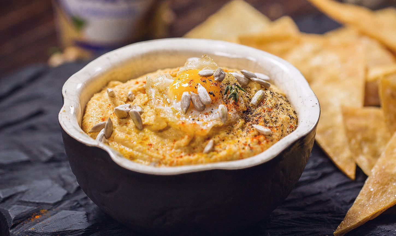 Хумус с чипсами