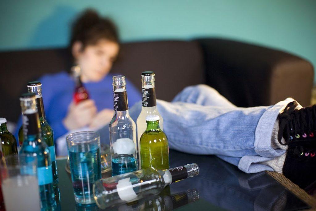 Алкоголь препятствует беременности