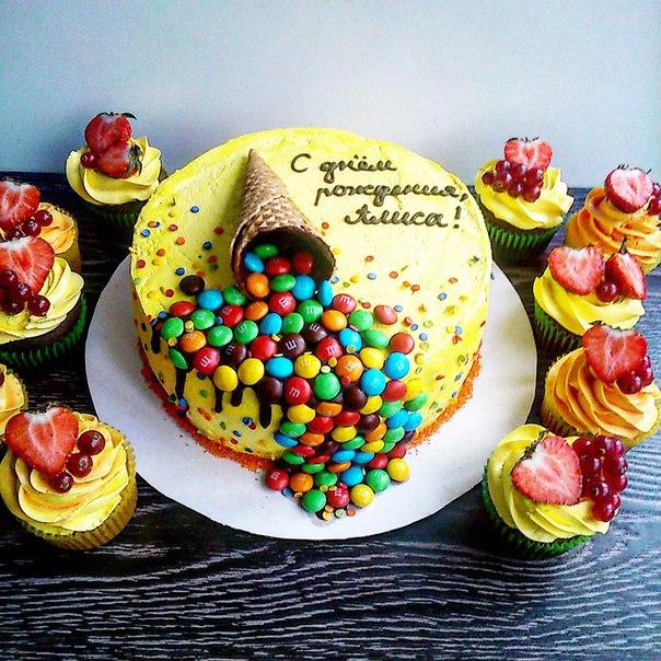Украшение торта ммдмс