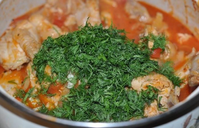 Добавить в блюдо зелень