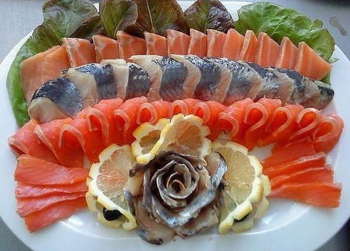 Красивая рыбная нарезка