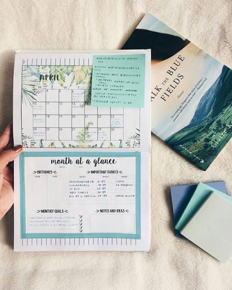 Дневник с календарем