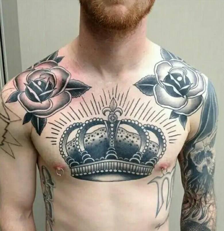 Корона на груди