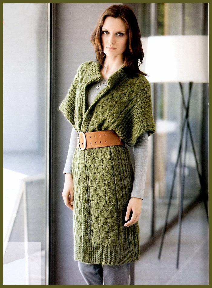 Зеленый женский кардиган с косами