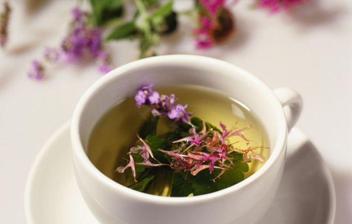 Чай с цветами и пустырником