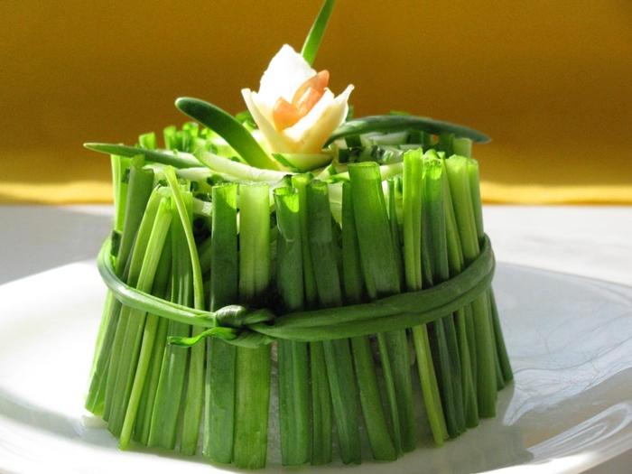 Украшение из зеленого лука