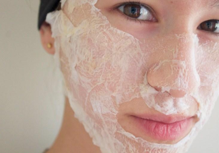 маска вперемешку с белком