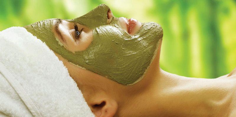 плотная зеленая маска