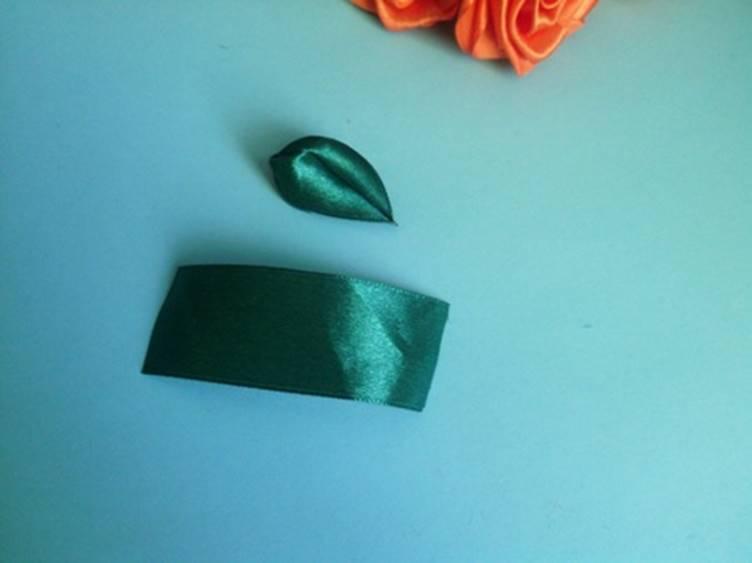 ля начала нужен отрезок из ленточки длиной около 5 – 6 см
