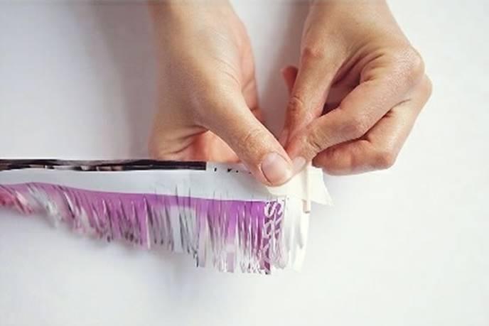 Полученную заготовку наматывают на деревянную палочку, шпажку или проволоку