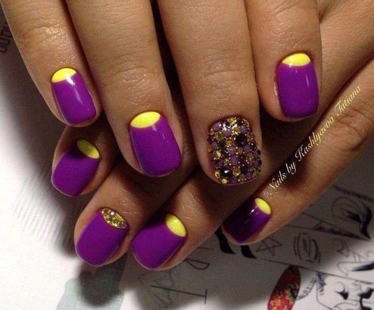 фиолетовый с желтым