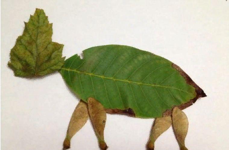 из листьев лось