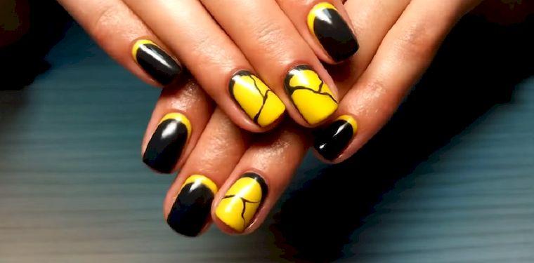 желто-черный лунный