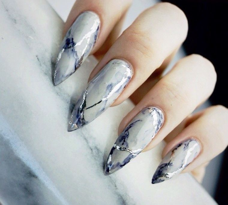маникюр 2019 на длинные острые ногти