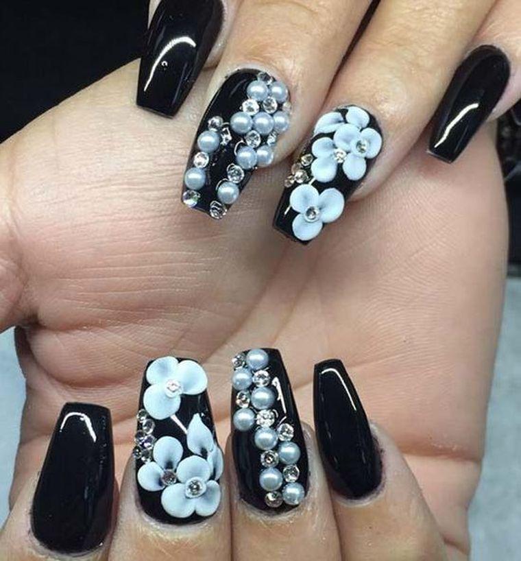 темный маникюр на длинные ногти